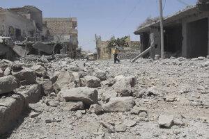Od konca apríla dochádza v provincii Idlib k stále častejším útokom vládnych jednotiek a ruským náletom.