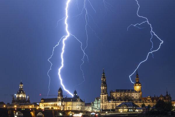 Silné búrky hrozia v Nemecku i v utorok.