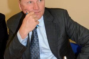 Stanislav Hreha tvrdí, že skútre nekupovali cez firmu v ktorej je spoločníkom.