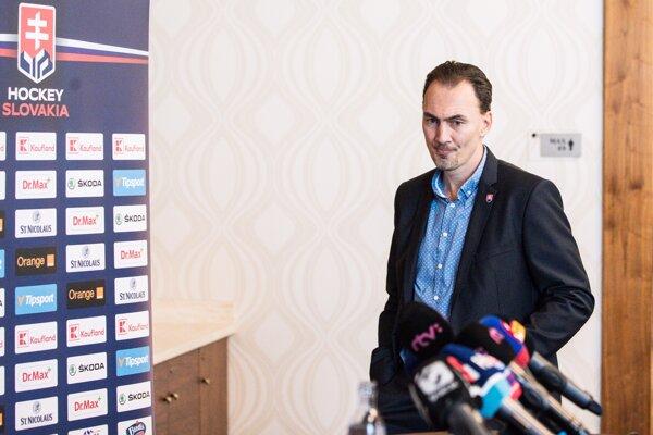 Miroslav Šatan počas tlačovej konferencie k oznámeniu svojej kandidatúry na post prezidenta Slovenského zväzu ľadového hokeja.