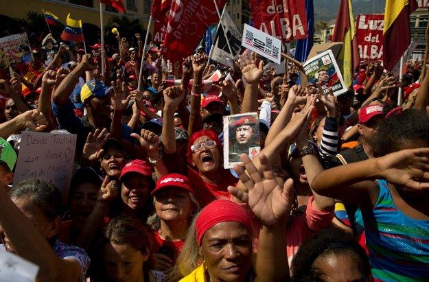Stúpenci súčasného prezidenta Madura.