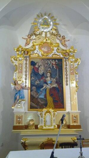 Oltár v Kaplnke sv. Alžbety vo Veľkom Šariši. Reštauroval ho Ľ. Slavkovský.