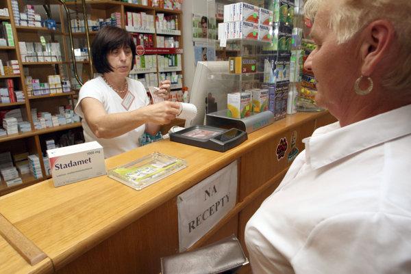 Jednorazové dávky ľudia najčastejšie využívajú na nákup liekov.