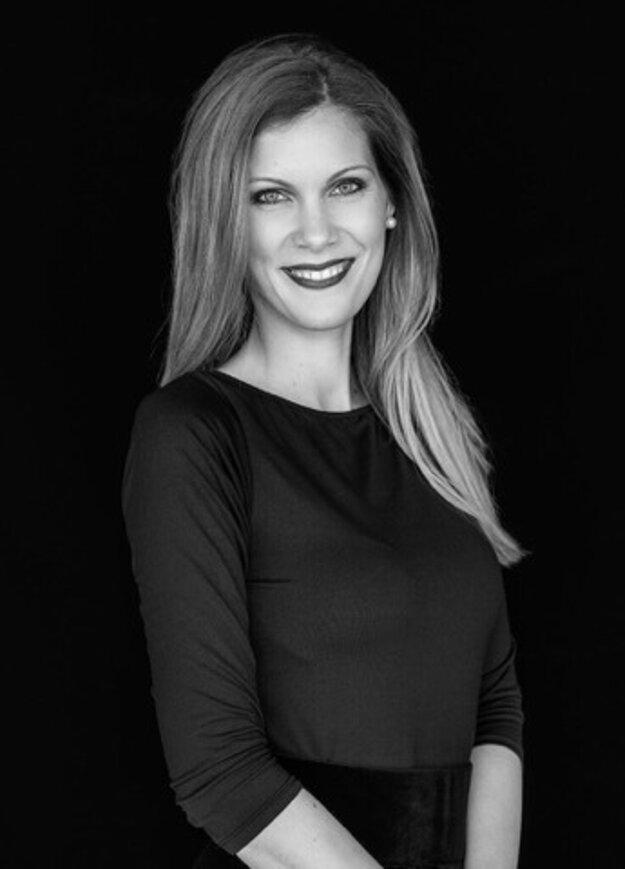 Lenka Auerová pracuje v Česku vo vedúcej pozícii.