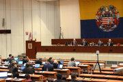 Zastupiteľstvo zasadne v stredu, teda o deň skôr ako bolo pôvodne zamýšľané.