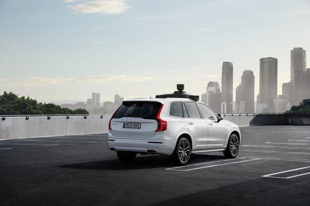 Autonómne Volvo XC90 vzniklo vďaka spolupráci s Uberom