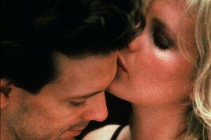 Mickey Rourke a Kim Basinger vo filme 9 a pol týždňa.