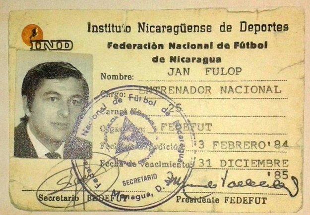 Preukaz Jána Fülöpa, reprezentačného trénera Nikaraguy.