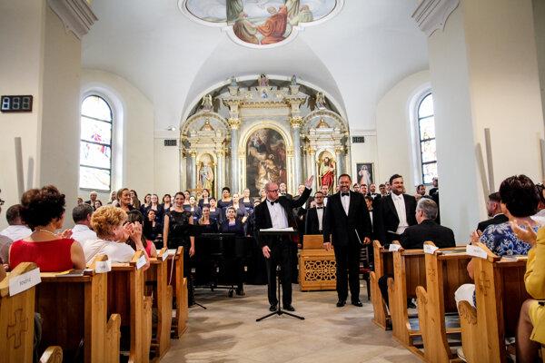 V Kostole sv. Ladislava v Rajci.