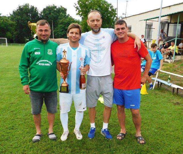 Turnaj vyhralo mužstvo Slovan NZ.