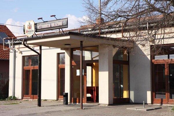 Reštaurácia Balážová sídli v Ivanke pri Nitre.