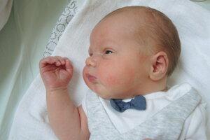 Oliver Behúň (3800 g a 53 cm) sa narodil 11. júna Michaele a Petrovi z Ivanoviec