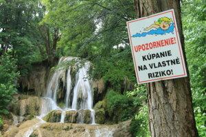 Okúpať sa môžete aj pod jedným z najkrajších slovenských vodopádov.