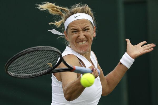 Victoria Azarenková v zápase proti Ajli Tomljanovicovej v 2. kole dvojhry na grandslamovom tenisovom turnaji vo Wimbledone 2019.