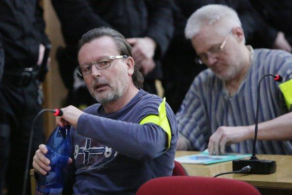 Na snímke zľava obžalovaní Róbert Lališ a Ivan C. (prezývaný Vinco-Vincko).