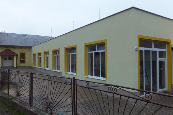 Prístavba rozšírila plochu čerenianskej školy.