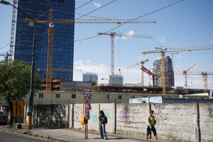 Výstavba na Nivách neďaleko centra Bratislavy.