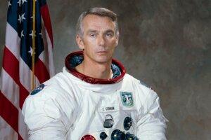 Eugene Cernan, americký astronaut českého a slovenského pôvodu.