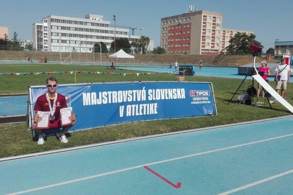 Michal Mojžiš s dvomi striebornými.