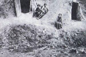 Obydlia Rómov v košickom tábore.