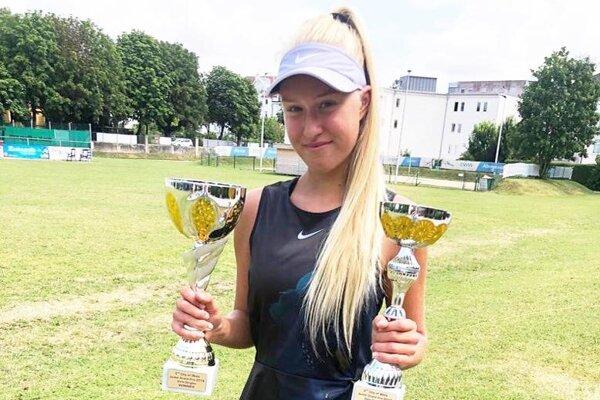 Bianca Behúlová získala v rakúskom Welse víťazné poháre vo dvojhre aj vo štvorhre.