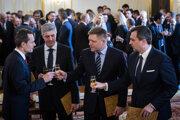 Fico, Procházka, Danko a Bugár podpísali koaličnú dohodu.