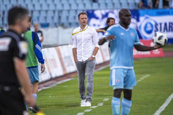 Na snímke dočasný tréner Slovana Vladimir Radenkovič.