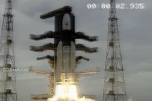Záber z videa štartu misie Čandraján-2.