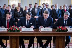 Koaličná dohoda je aj po podpise stále neznáma.
