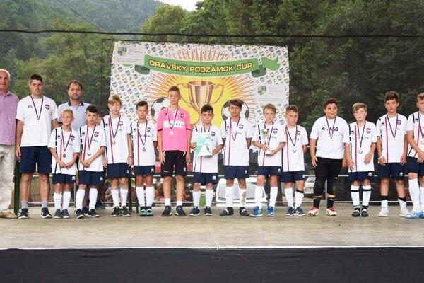 Mladší žiaci PFA ViOn U12 na turnaji v Oravskom Podzámku.