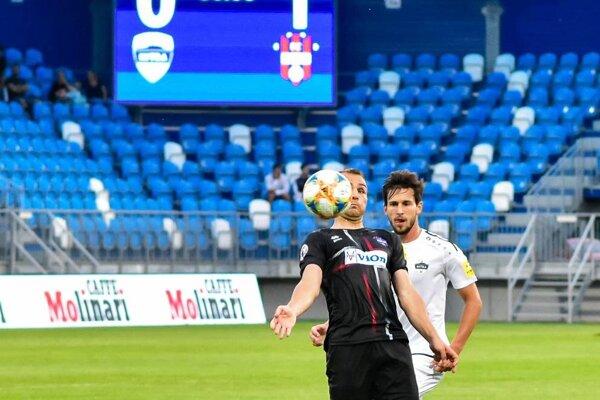 Nitra prehrala so Zlatými Moravcami, jediný gól strelil Martin Válovčan.