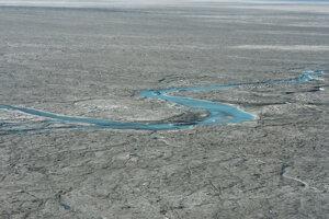 Zábery riek roztopenej vody vznikli 1. augusta 2019.