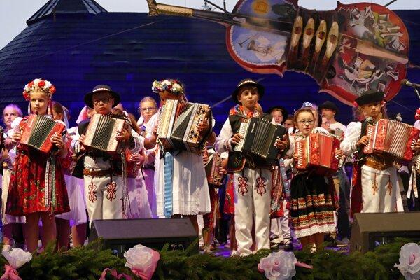 Terchovou počas prvého augustového víkendu zneli tóny heligónky.