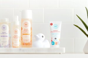 Jemná kozmetika pre dieťa. Vyberajte prírodné a čo najmenej parfumované prípravky.