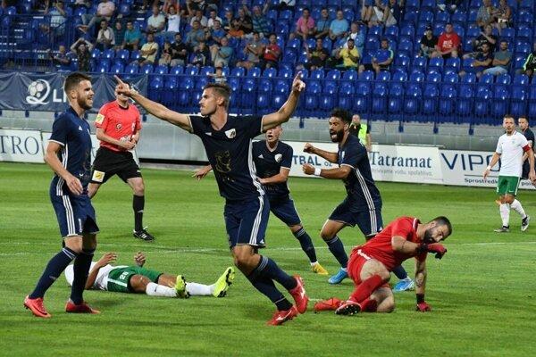 Gól Horvátha (s rukami nad hlavou) Popradu nestačil, Skalica je prvým tímom, ktorý Podtatrancov obral o body.
