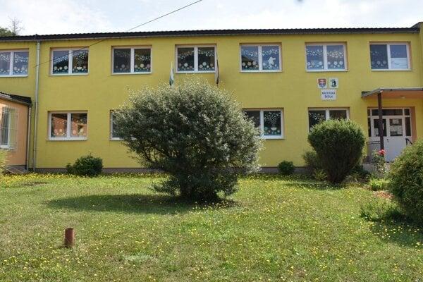 V materskej škole v Prečíne pokračujú s rekonštrukčnými prácami.