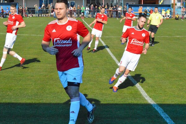 Futbalisti Alekšiniec postupujú v pohári ďalej.