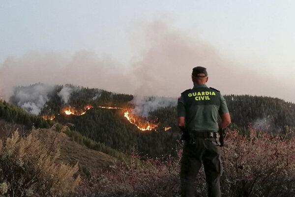 Na ostrove Gran Canaria horelo aj pred niekoľkými dňami.