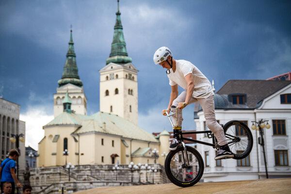 Mladí jazdci sa predviedli žilinskému publiku.