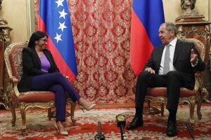 Viceprezidentka Venezuely Delcy Rodríguezová na stretnutí s ruským ministrom zahraničných vecí Sergejom Lavrovom.