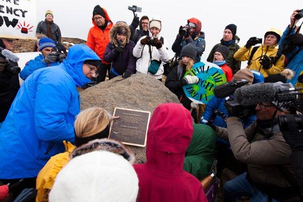 Antropológovia na Islande sa rozlúčili s topiacim sa ľadovcom.