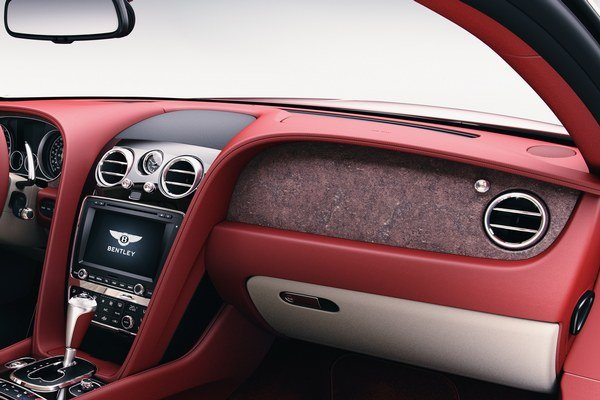 Interiér modelu Continental.