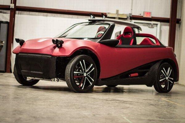 Podľa Local Motors je LM3D prvé auto vytlačené na 3D tlačiarni. Ktoré diely skutočne z 3D tlače pochádzajú, automobilka neuvádza.