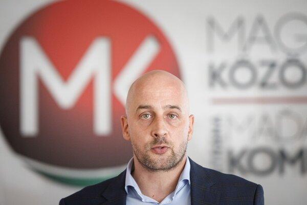 Predseda strany SMK József Menyhárt.