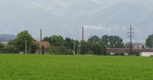 pohľad na komín martinskej tehelne z hranice martinského a bystrického katastra.