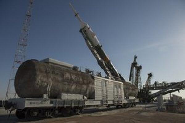 Raketa Sojuz v Bajkonure.