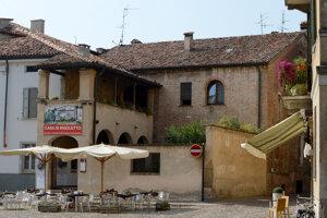 V Mantove ukazujú dom šaša Rigoletta z Verdiho opery.
