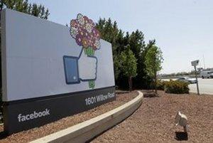 """<p>Aký by to bol Týždeň v technológiách bez Facebooku? Sociálna sieť otvorila vývojarské centrum pre mobilné aplikácie v Londýne, vôbec prvýkrát bude zbierať inšpiráciu mimo svojho kalifornskeho Menlo Parku. <strong><a href=""""http://bit.ly/Sruju7"""">Čítajte"""