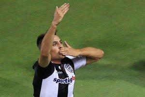 Róbert Mak si na klubovej úrovni oblieka dres gréckeho tímu PAOK Solún.