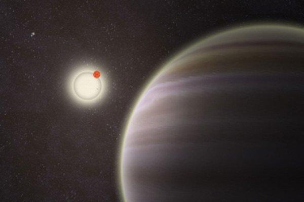 Nová planéta obieha okolo vlastnej dvojhviezdy. Neďaleko sústavy krúži ďalší binárny systém, planéta PH1 tak má štyri slnká.